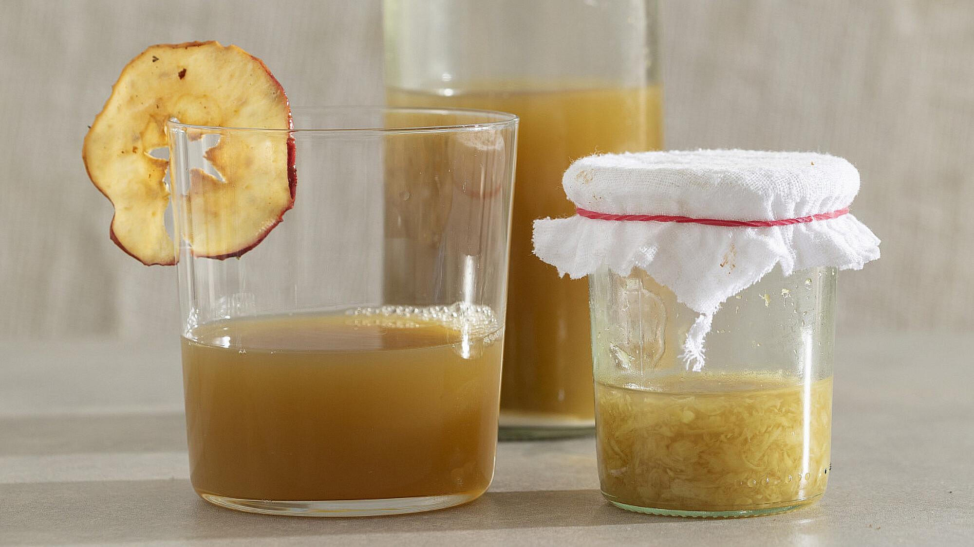 משקה ג'ינג'ר ותפוחים מותססים של רינת צדוק. צילום: דניאל לילה.