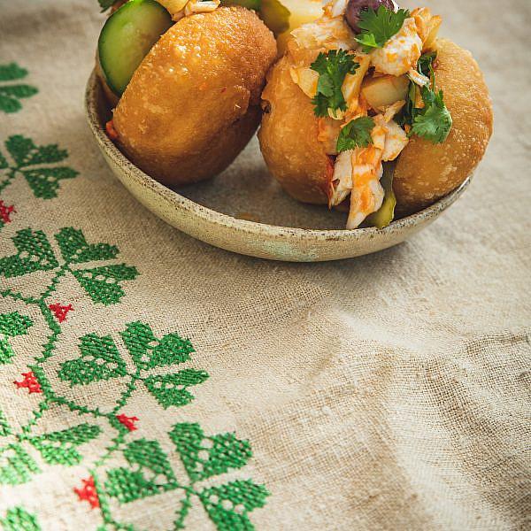 פריקסה במילוי סלט פלמידה קונפי ותפוחי אדמה של מיכל וקסמן. צילום: שני בריל