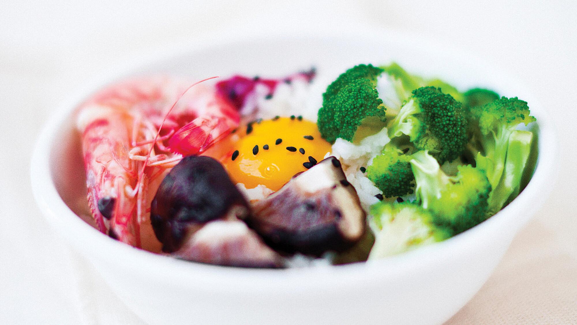 ארוחת אורז בקערה של אוריה גבע (צילום: אילון פז)