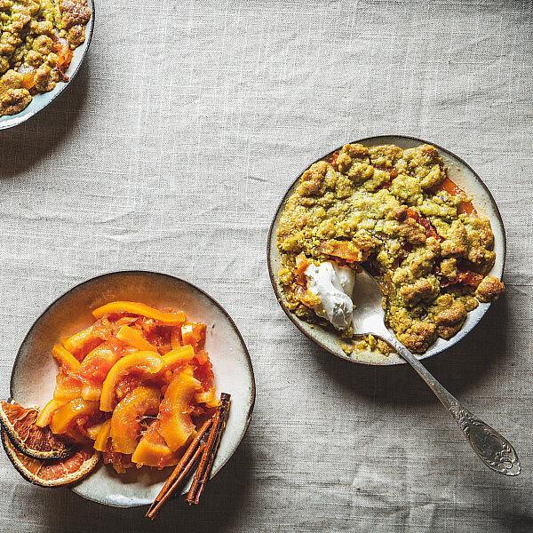 מרקחת תפוזי דם בקרמבל פיסטוק של מיכל חביביאן. צילום: שני בריל. סטיילינג: עינב רייכנר