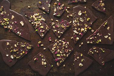 פלאנט בייסד שוקולד של מיכל חביביאן. צילום: שני בריל. סטיילינג: עינב רייכנר