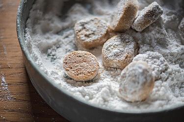 עוגיות חמאה ופקאן של אסף בן משה. צילום: אור קפלן (מתוך הספר על טעם ועל רוח)
