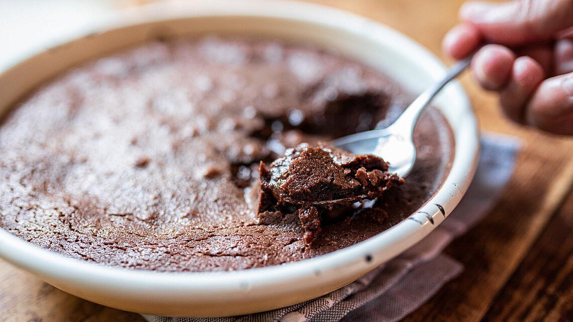 עוגת שוקולד של אסף בן משה. צילום: אור קפלן (מתוך הספר על טעם ועל רוח)
