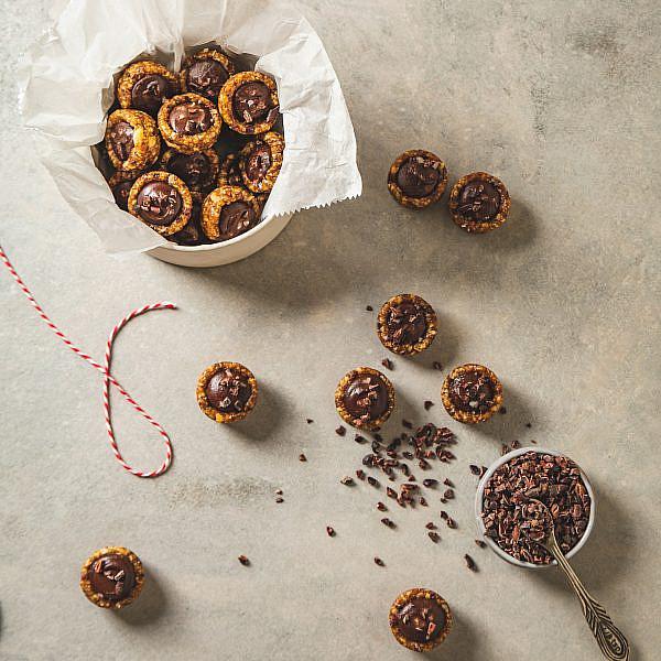 טופיפי שוקולד ואגוזים של רינת צדוק. סטיילינג: עינב רייכנר | צילום: שני בריל