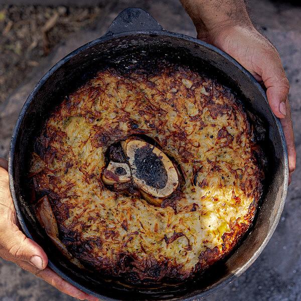 עוגת תפוחי אדמה ומח עצם של שף אוהד לוי | צילום: מידן גיל ארוש