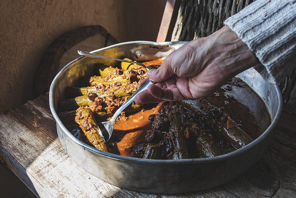 מלאכה עצומה מלפפונים ממולאים של שף ישראל אהרוני   צילום: שני בריל