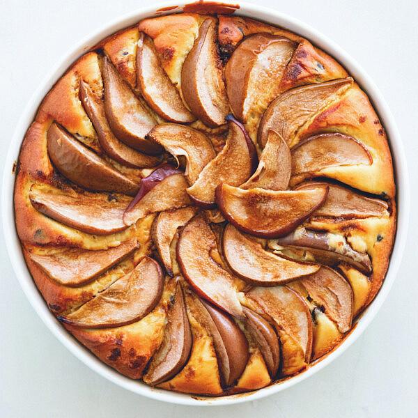 טארט ריקוטה, אגסים ושוקולד של שף מנה שטרום | צילום: מיכל רביבו