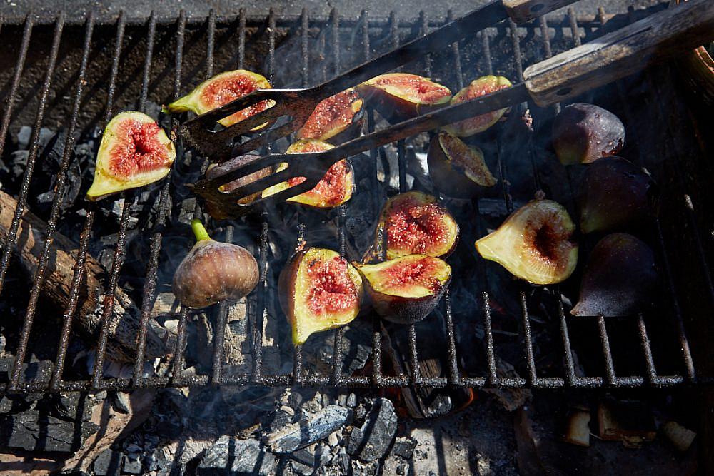 לא רק בשר תאנים על הגריל, מתוך הספר Chasing Smoke (צילום: פטרישיה ניבן)