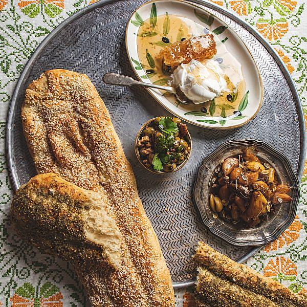 לחם ברברי ומטבלים של שף הלל תווקולי | צילום: שני בריל, סטיילינג: עינב רייכנר