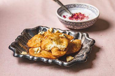 סמבוסק גבינות של שף הלל תווקולי | צילום: שני בריל, סטיילינג: עינב רייכנר