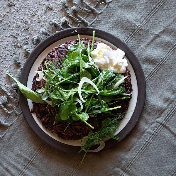 רושטי סגול וסלט ירוקים של מיכל חביביאן | צילום: שני בריל