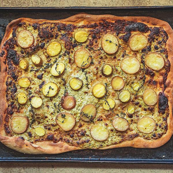 פיצה לבנה של מיכל חביביאן | צילום: שני בריל
