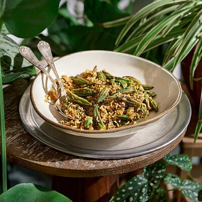 אורז עגול עם עשבים, ביצה ובמיה של שף רן וייס | צילום: אנטולי מיכאלו