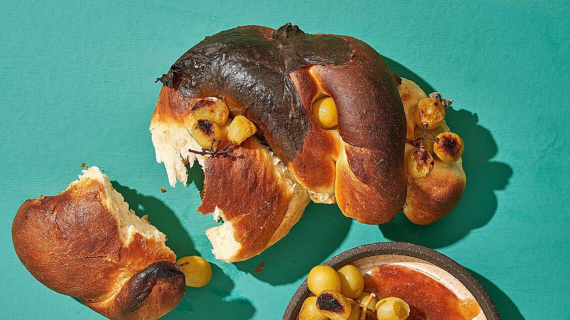 לחם ענבים של שפית אבישג לוי   צילום: אנטולי מיכאלו