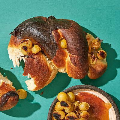 לחם ענבים של שפית אבישג לוי | צילום: אנטולי מיכאלו