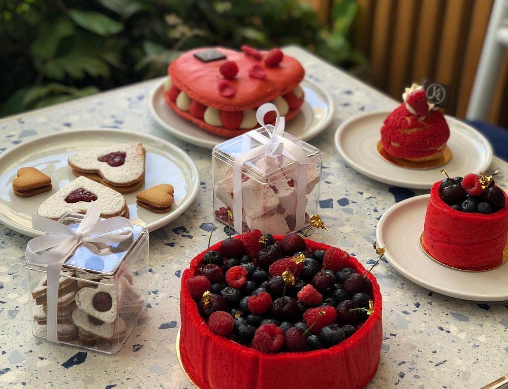 """פירות אדומים, כי זה צבע האהבה קינוחי ט""""ו באב במייזון קייזר. צילום: my social"""