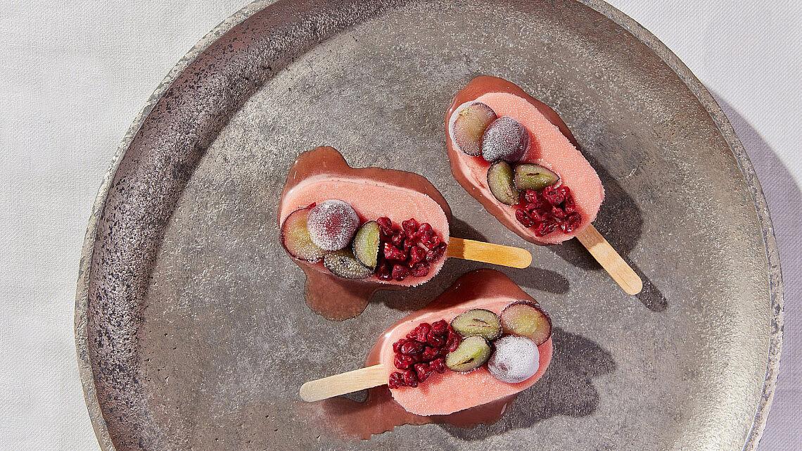 קרטיב ענבים עם ריבה ומרמלדת ענבים של שפים רן שמואלי וטל פייגנבאום | צילום: יהונתן בן חיים
