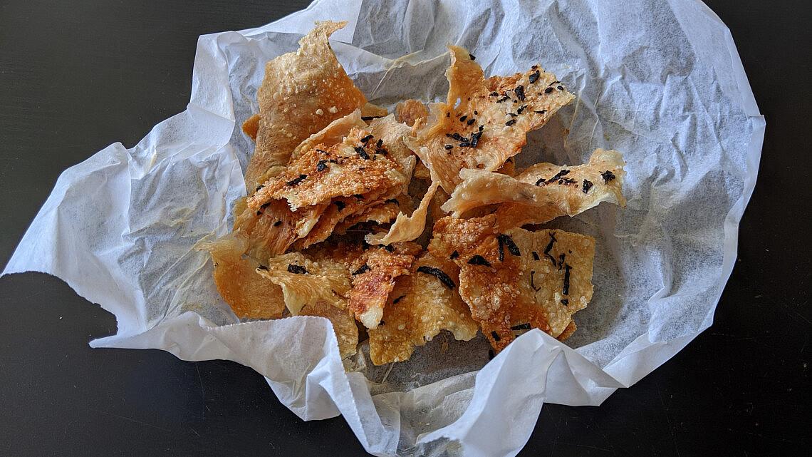 חטיף עוף פריך מיפן של דקלה חיון. צילום: דקלה חיון