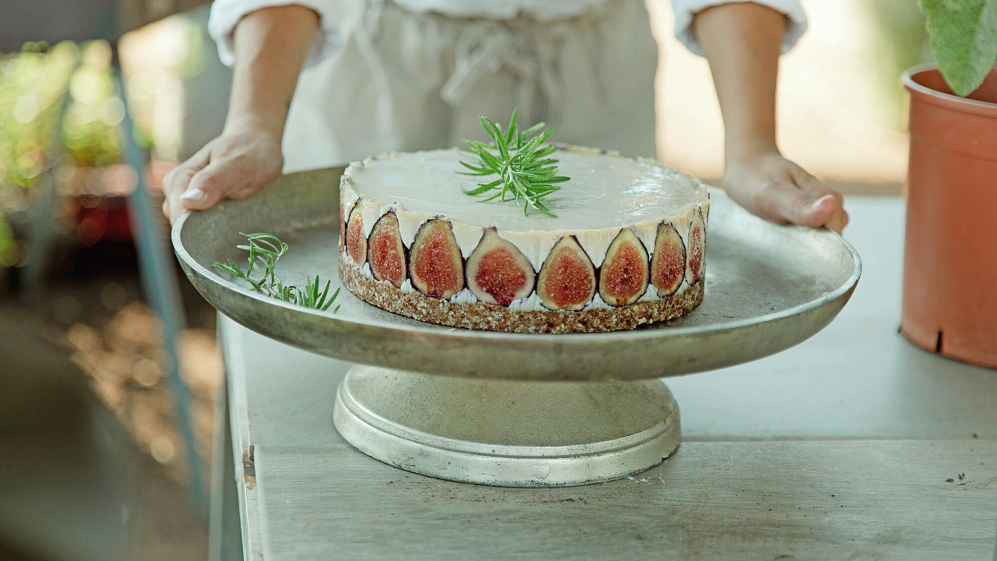 עוגת גבינה טבעונית של מורן בודניק. צילום: שני בריל