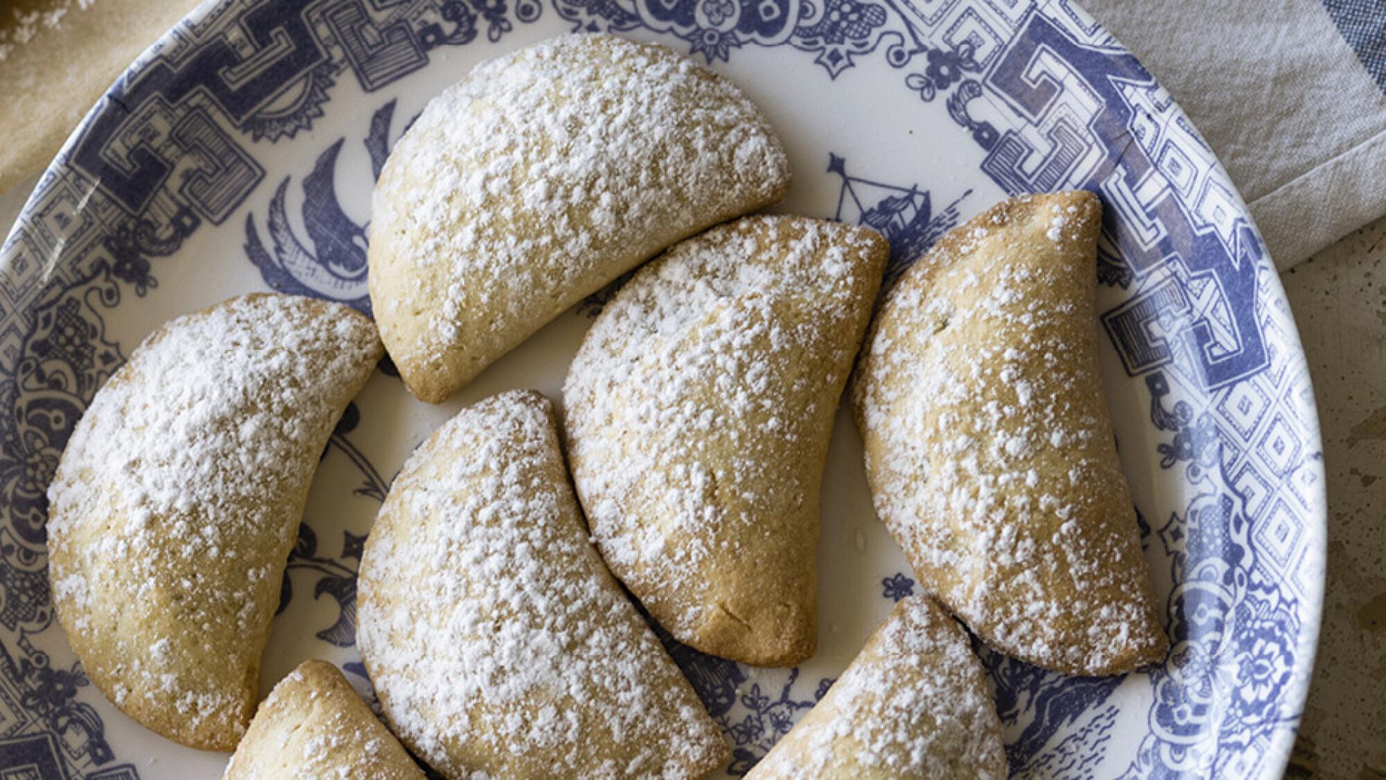 עוגיות רביולי במילוי מרציפן פיסטוק של קרן אגם. צילום: קרן אגם